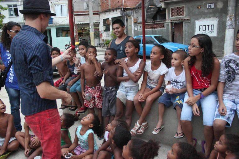 Dan Berlin Charity Magic mit Kindern